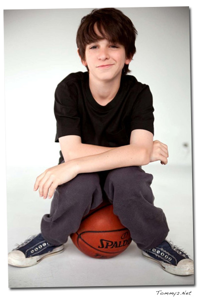 Tommy2 Net Zachary Gordon Talks About Diary Of A Wimpy Kid Rodrick Rules Video Recap Of Dell Flash Mob At Allstar Weekend Concert Concert For Hope Pictures Glee Continues To Break Records Kids